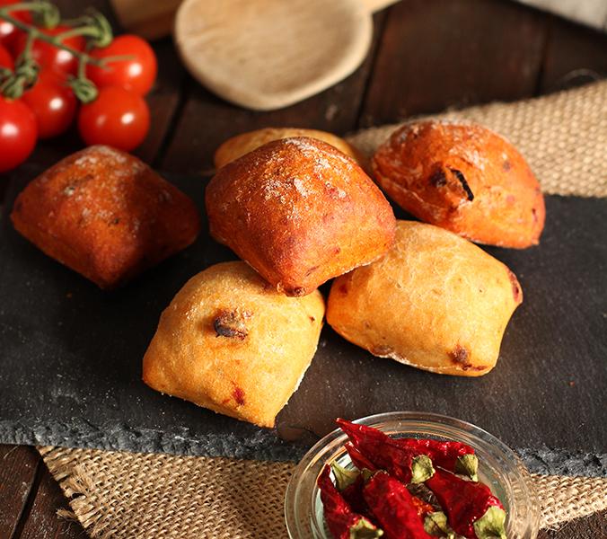 Bäckerei Der Beck Mediterranes Brotkonfekt Tomate Paprika