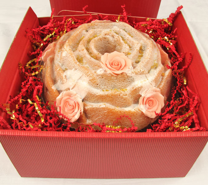 Rosenkuchen in Geschenkverpackung